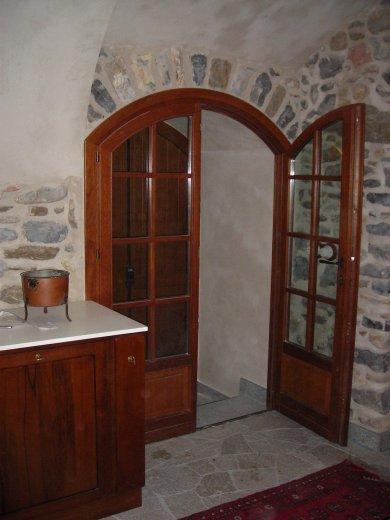 Porta finestra centinata con serratura falegnameria f - Serratura porta finestra ...